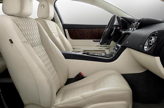 Jaguar ra mắt XJ50 chúc mừng sinh nhật chiếc sedan sau nửa thế kỷ tồn tại - Ảnh 3.