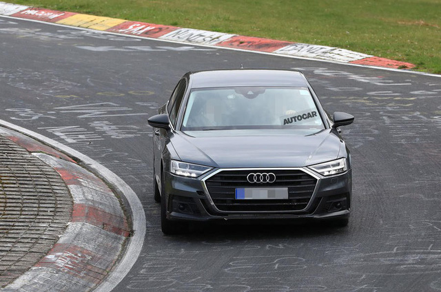 Audi S8 sắp ra mắt với động cơ V8 lấy từ Porsche Panamera Turbo - Ảnh 1.