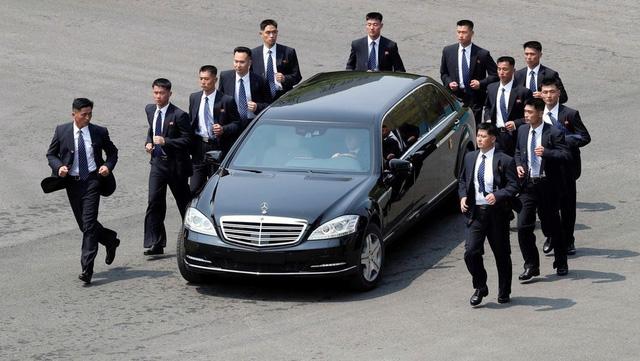 Khám phá bộ đôi Mercedes-Benz bọc thép của lãnh đạo Triều Tiên và tổng thống Hàn Quốc - Ảnh 1.