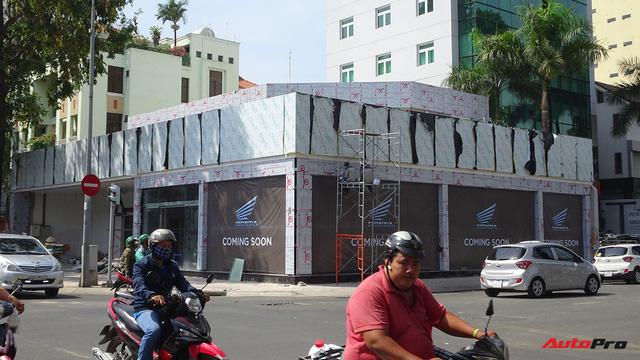 Honda sẽ khai trương showroom xe mô tô phân khối lớn và bán thêm xe mới trong tháng 5 - Ảnh 2.