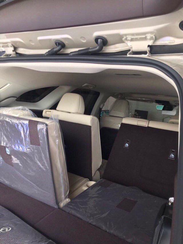 Lexus RX350L 2018 được chào bán giá gần 5 tỷ đồng tại Việt Nam - Ảnh 5.
