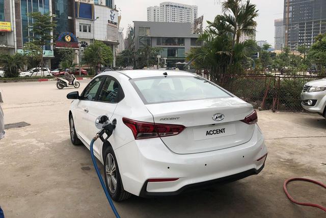 Hyundai Accent 2018 xuất hiện tại Hà Nội, lộ trang bị trước ngày ra mắt - Ảnh 3.