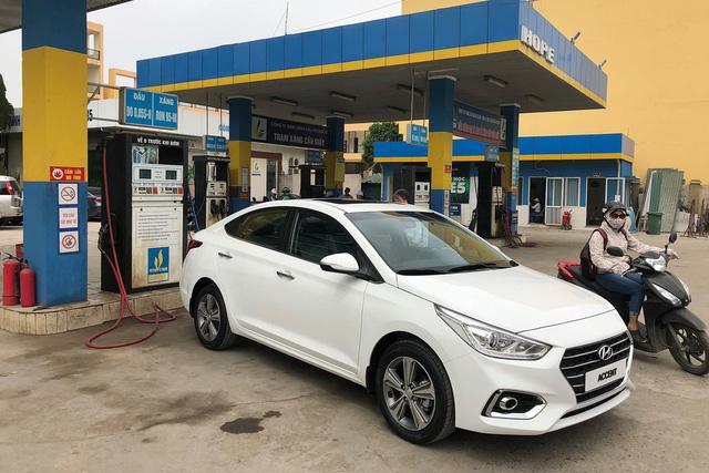 Hyundai Accent 2018 xuất hiện tại Hà Nội, lộ trang bị trước ngày ra mắt - Ảnh 1.