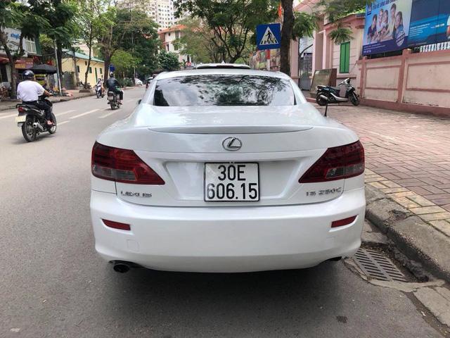 Đi hơn 8 năm, mui trần hạng sang Lexus IS250c mất nửa giá tại Hà Nội - Ảnh 5.