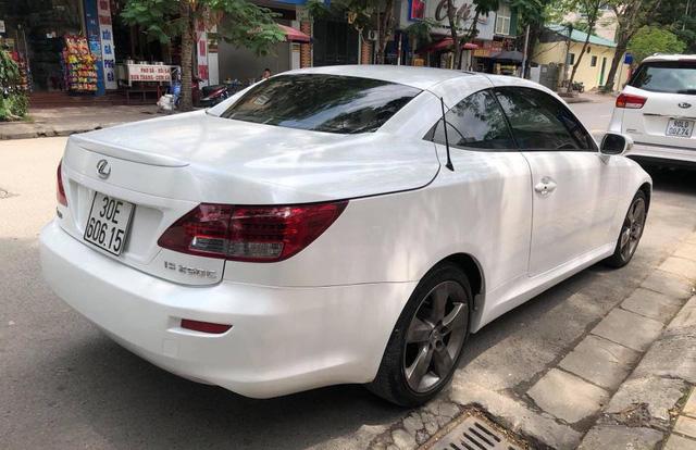 Đi hơn 8 năm, mui trần hạng sang Lexus IS250c mất nửa giá tại Hà Nội - Ảnh 4.
