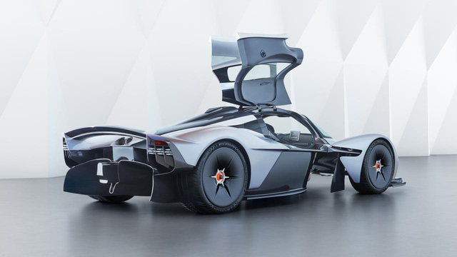 Những siêu xe sinh ra để thống trị đường đua - Ảnh 11.