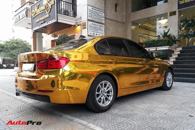 """Kỳ công """"dát vàng"""" phong cách dân chơi UAE cho chiếc BMW của chủ khách sạn tại Đà Nẵng - Ảnh 6."""