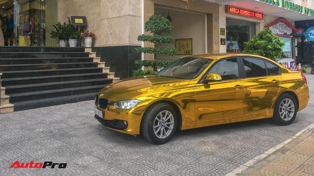 """Kỳ công """"dát vàng"""" phong cách dân chơi UAE cho chiếc BMW của chủ khách sạn tại Đà Nẵng"""
