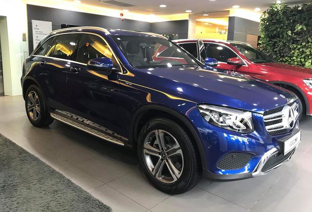Chi tiết Mercedes-Benz GLC 200 đã về đại lý, giá thấp hơn 200 triệu đồng so với GLC 250 - Ảnh 1.