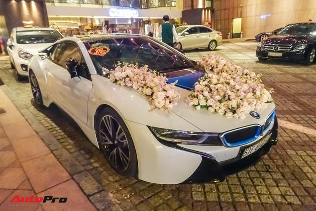 Diệp Lâm Anh lên xe hoa BMW i8 về nhà chồng - Ảnh 4.