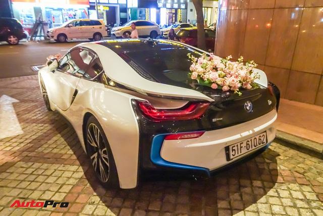 Diệp Lâm Anh lên xe hoa BMW i8 về nhà chồng - Ảnh 6.
