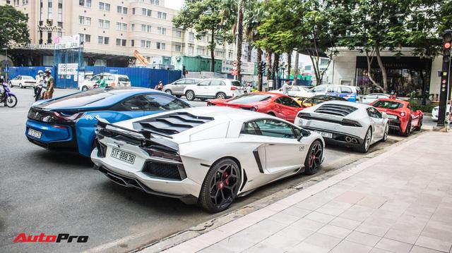 Cường Đô La, Tuấn Hưng cùng dàn siêu xe trăm tỷ khuấy động Sài Gòn cuối tuần