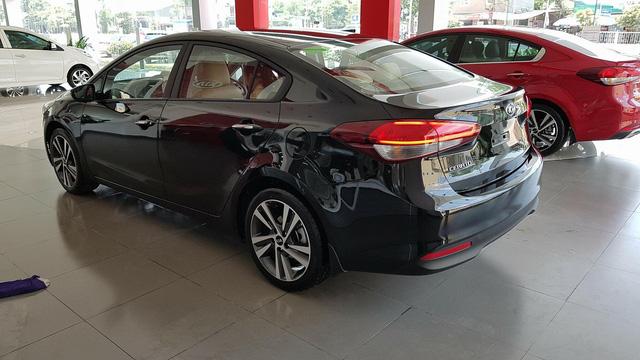 Kỷ lục giá xe: THACO bán Kia Cerato rẻ hơn cả Toyota Vios - Ảnh 1.