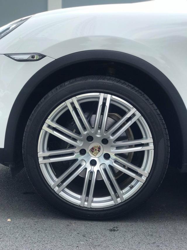 Không thể mua Porsche mới với 2,8 tỷ đồng thì có thể chọn Cayenne 2013 nhiều option và đi hơn 44.000km - ảnh 4