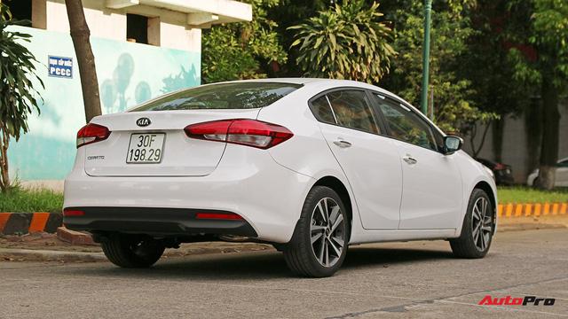 """Giá thấp hơn nhưng Kia Cerato lại có những trang bị """"ăn đứt"""" Toyota Vios - Ảnh 1."""