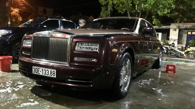 Rolls-Royce Phantom Lửa Thiêng và Maybach 62S của đại gia Hà Nội ngao du tại Huế
