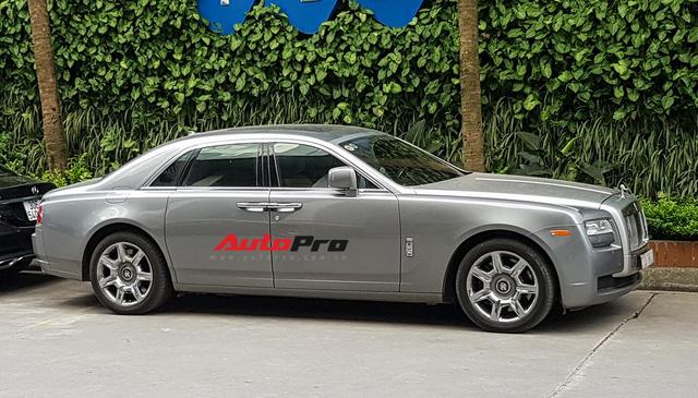 Ông chủ tập đoàn FLC tậu thêm Rolls-Royce Ghost dát vàng khủng nhất Việt Nam - Ảnh 12.