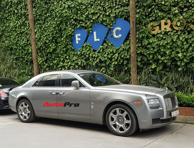 Ông chủ tập đoàn FLC tậu thêm Rolls-Royce Ghost dát vàng khủng nhất Việt Nam - Ảnh 10.