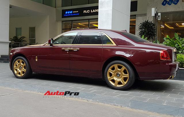 Ông chủ tập đoàn FLC tậu thêm Rolls-Royce Ghost dát vàng khủng nhất Việt Nam - Ảnh 7.