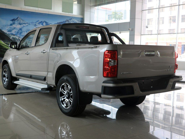 Ford Explorer biến thành xe bán tải Ranger sẽ trông như thế nào? - Ảnh 2.