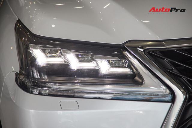 Khám phá chi tiết Lexus LX570 Super Sport 2018 giá gần 10 tỷ đồng tại Việt Nam - Ảnh 10.