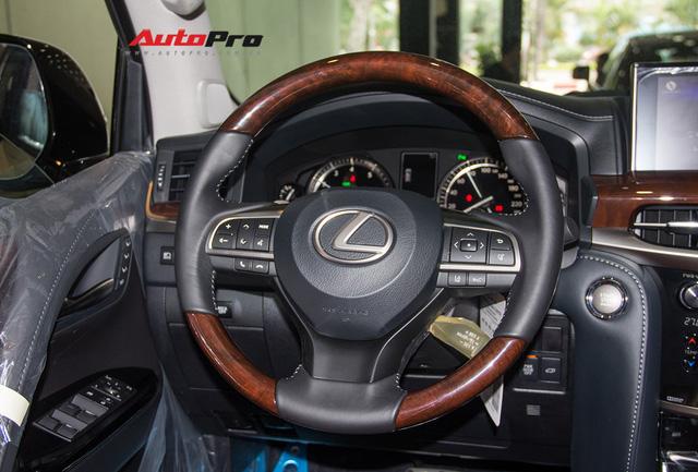 Khám phá chi tiết Lexus LX570 Super Sport 2018 giá gần 10 tỷ đồng tại Việt Nam - Ảnh 23.