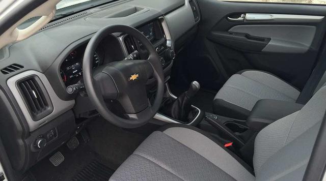 Vượt rào 116, Chevrolet Colorado số tự động mới về Việt Nam, giá thấp hơn Ford Ranger 34 triệu đồng - Ảnh 2.