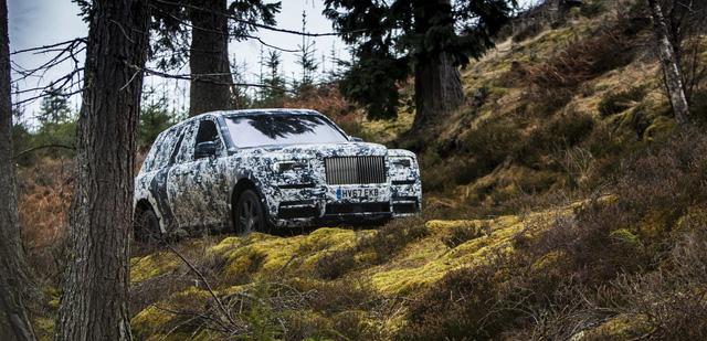 Rolls-Royce chốt lịch ra mắt Cullinan, chỉ còn chưa đến 10 ngày - Ảnh 1.