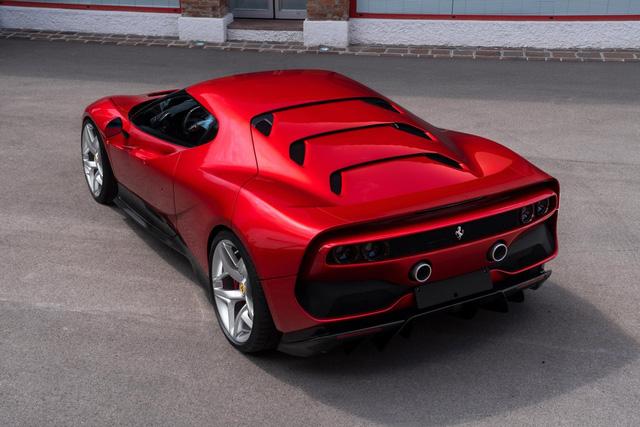 Ra mắt Ferrari SP38 - Siêu xe có 1-0-2 cho đại gia nhiều của lắm tiền - Ảnh 4.