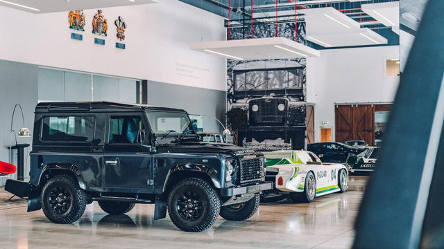 Đây là kho tàng xe cổ bí mật của Jaguar Land Rover - Ảnh 3.