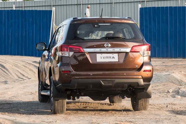 Nissan ra mắt Terra cấu hình ĐNÁ tại Philippines, cạnh tranh Toyota Fortuner - Ảnh 4.