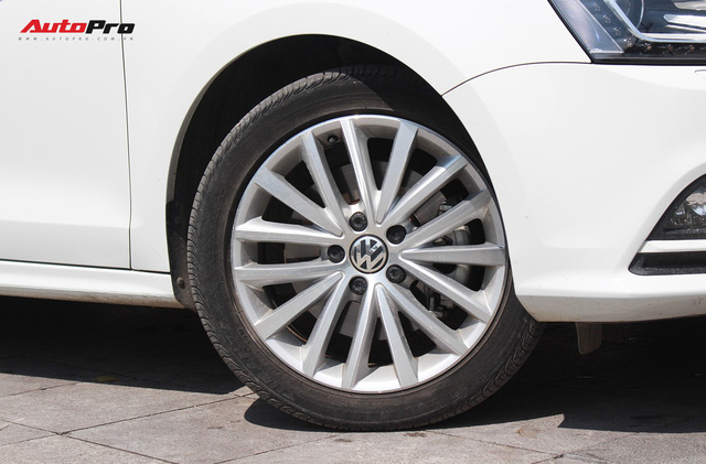 Đánh giá Volkswagen Jetta: Chất Đức đeo bảng giá Toyota Altis - Ảnh 8.