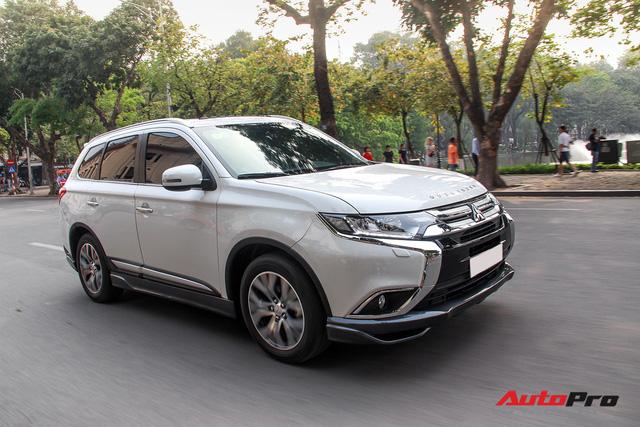 Đánh giá Mitsubishi Outlander: Xe lắp ráp mang chất lượng xe nhập khẩu - Ảnh 20.