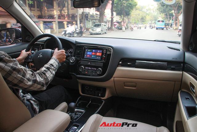 Đánh giá Mitsubishi Outlander: Xe lắp ráp mang chất lượng xe nhập khẩu - Ảnh 13.