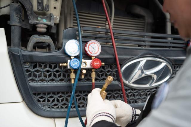 Kỹ sư Hyundai chăm sóc xe tải, xe khách miễn phí tại Việt Nam - Ảnh 1.