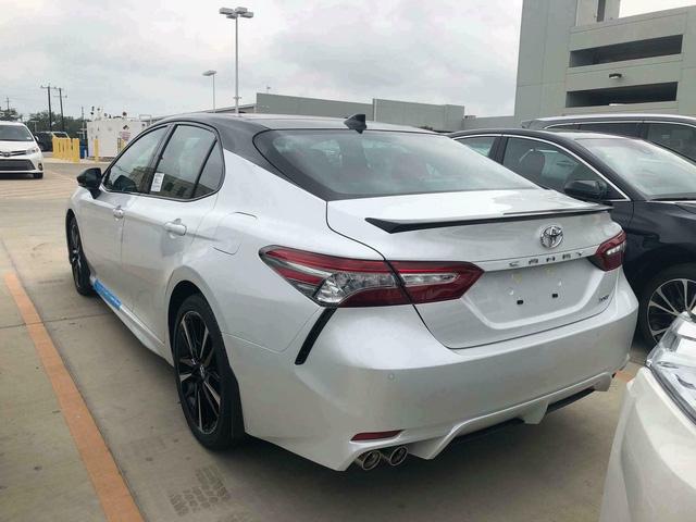 Toyota Camry XSE 2018 bản Mỹ về Việt Nam sẽ có giá dự kiến hơn 2,6 tỷ đồng - Ảnh 2.