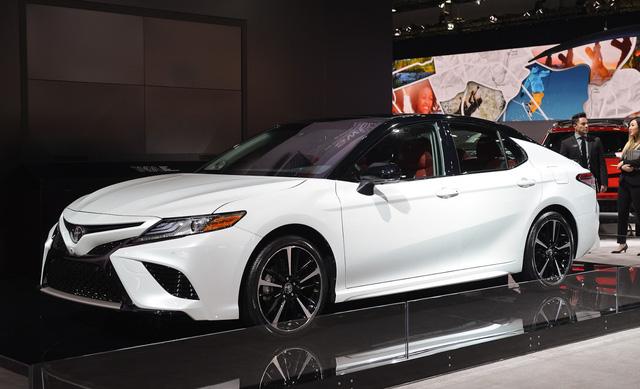 Toyota Camry XSE 2018 bản Mỹ về Việt Nam sẽ có giá dự kiến hơn 2,6 tỷ đồng - Ảnh 4.