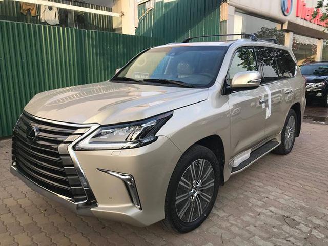 Lexus LX570 2018 bản Mỹ về Việt Nam, giá tăng vọt lên mức gần 9,2 tỷ đồng - Ảnh 1.