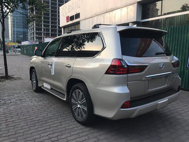 Lexus LX570 2018 bản Mỹ về Việt Nam, giá tăng vọt lên mức gần 9,2 tỷ đồng - Ảnh 5.