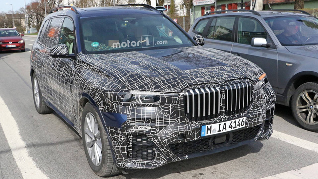 BMW dùng pha lê Swarovski trang trí cần gạt số cho SUV lớn nhất sắp ra mắt - Ảnh 2.
