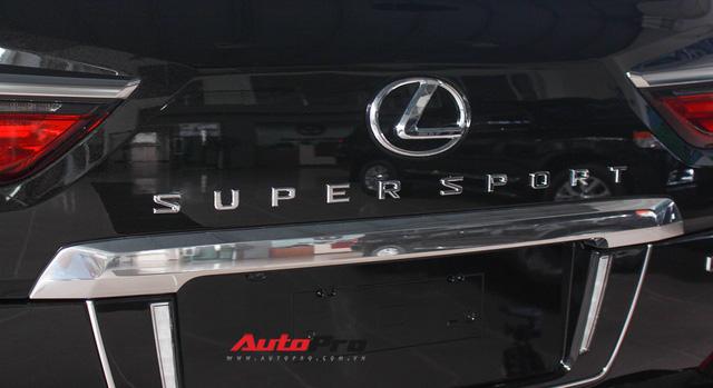 Giá gần 10 tỷ đồng, Lexus LX570 Super Sport vẫn ùn ùn về Việt Nam cho các tay chơi nhà giàu - Ảnh 13.