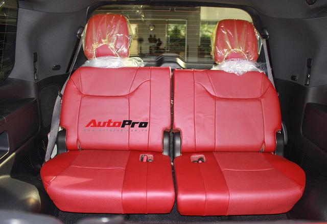 Giá gần 10 tỷ đồng, Lexus LX570 Super Sport vẫn ùn ùn về Việt Nam cho các tay chơi nhà giàu - Ảnh 26.