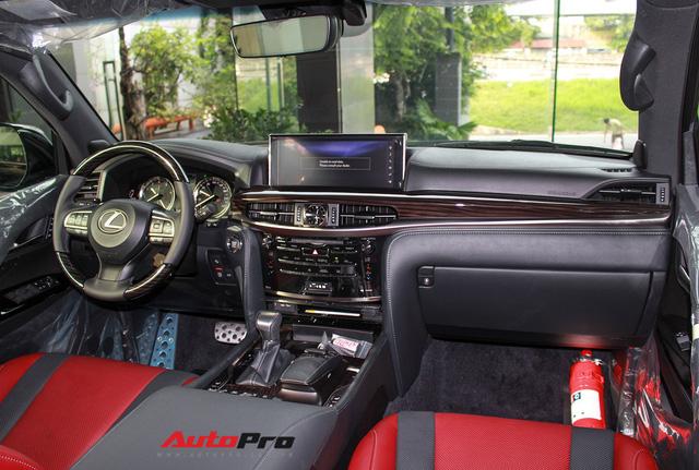 Giá gần 10 tỷ đồng, Lexus LX570 Super Sport vẫn ùn ùn về Việt Nam cho các tay chơi nhà giàu - Ảnh 8.