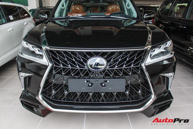 Giá gần 10 tỷ đồng, Lexus LX570 Super Sport vẫn ùn ùn về Việt Nam cho các tay chơi nhà giàu - Ảnh 6.