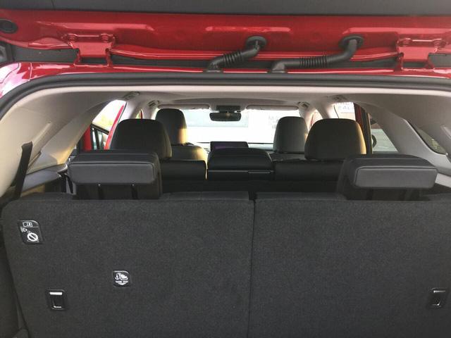 Thêm Lexus RX 350L phiên bản vành xoáy với nhiều trang bị hơn về Việt Nam - Ảnh 7.
