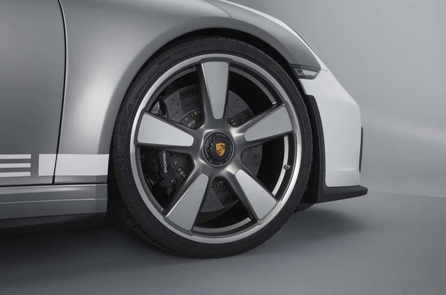 Ra mắt Porsche 911 Speedster - Hình ảnh xem trước của hậu duệ 991 - Ảnh 5.