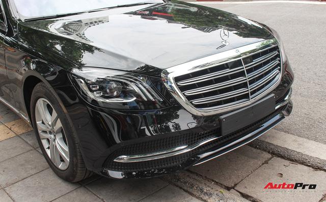 Vừa ra mắt, Mercedes-Benz S450 L 2018 đã lăn bánh trên đường, cặp cùng Lamborghini độc nhất Việt Nam - Ảnh 12.