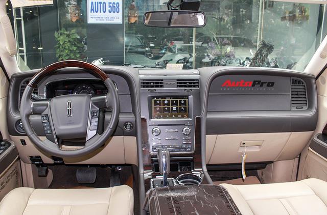 Cùng phân khúc Lexus LX570, Lincoln Navigator L 2016 được chào bán giá chỉ 5,8 tỷ đồng - Ảnh 6.