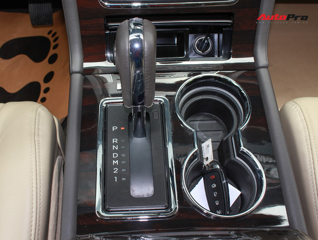 Cùng phân khúc Lexus LX570, Lincoln Navigator L 2016 được chào bán giá chỉ 5,8 tỷ đồng - Ảnh 23.