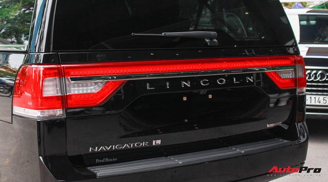 Cùng phân khúc Lexus LX570, Lincoln Navigator L 2016 được chào bán giá chỉ 5,8 tỷ đồng - Ảnh 20.